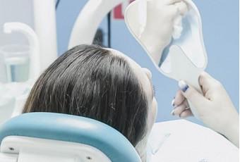 Удаление зубов для коррекции прикуса при помощи брекетов