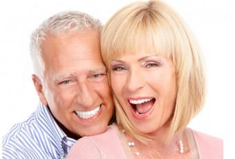 Зубные протезы: правильный уход